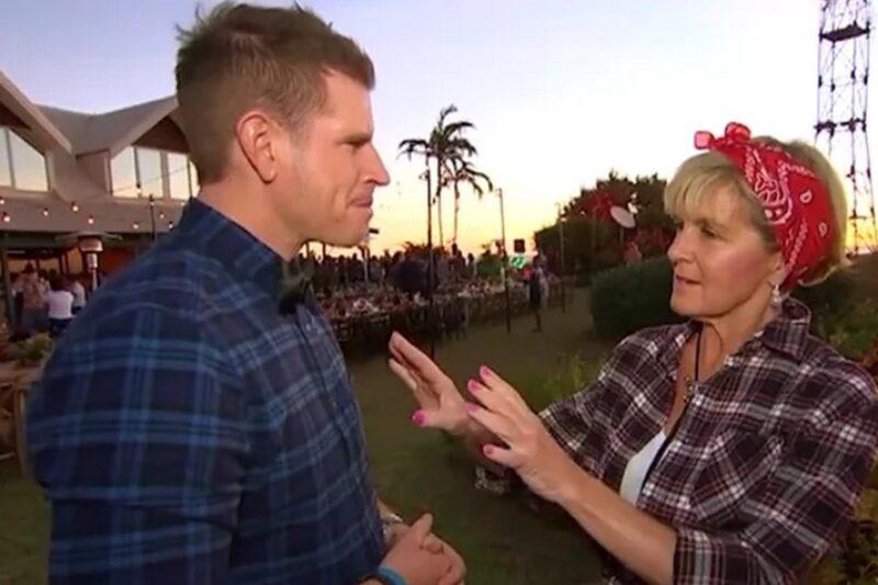 Foreign Minister Julie Bishop gives Sam Mac some fashion tips